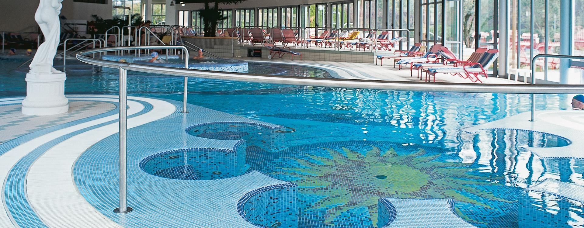 Tiles for hotel petrarca hotel montegrotto terme - Petrarca piscine prezzi ...